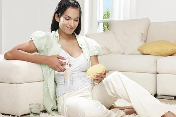 Vệ sinh núm vú sạch sẽ cũng giúp phòng chống tắc tia sữa